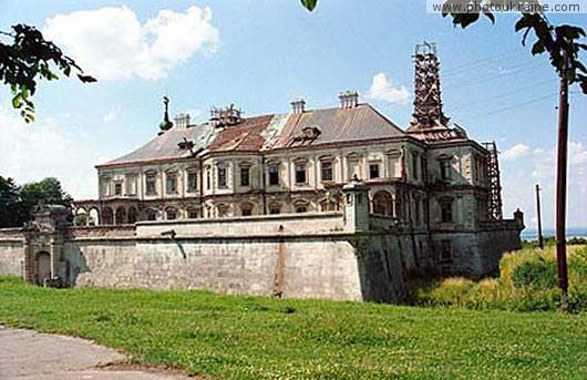 Село підгірці замок конецпольських