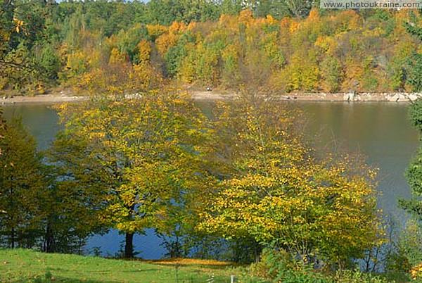 Тригір я золота осінь над тетеревом